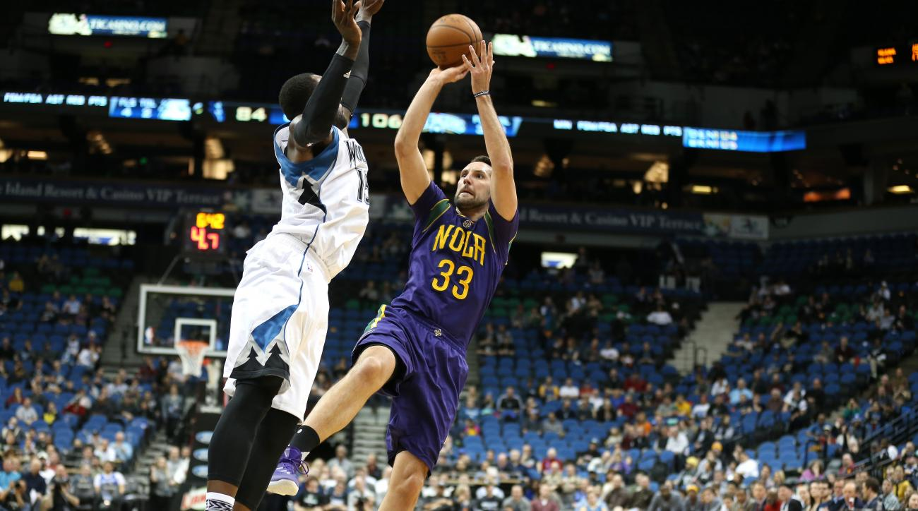 MINNEAPOLIS, MN - FEBRUARY 8: Ryan Anderson #33 of the New Orleans Pelicans shoots the ball during the game against the Minnesota Timberwolves on February 8, 2016 at Target Center in Minneapolis, Minnesota. (Photo by Jordan Johnson/NBAE via Getty Images)