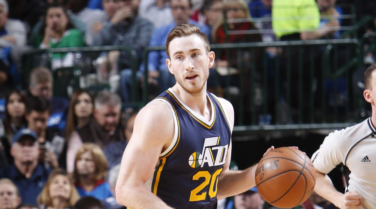 DALLAS, TX - FEBRUARY 9: Gordon Hayward #20 of the Utah Jazz handles the ball against the Dallas Mavericks on February 9, 2016 at the American Airlines Center in Dallas, Texas. (Photo by Glenn James/NBAE via Getty Images)