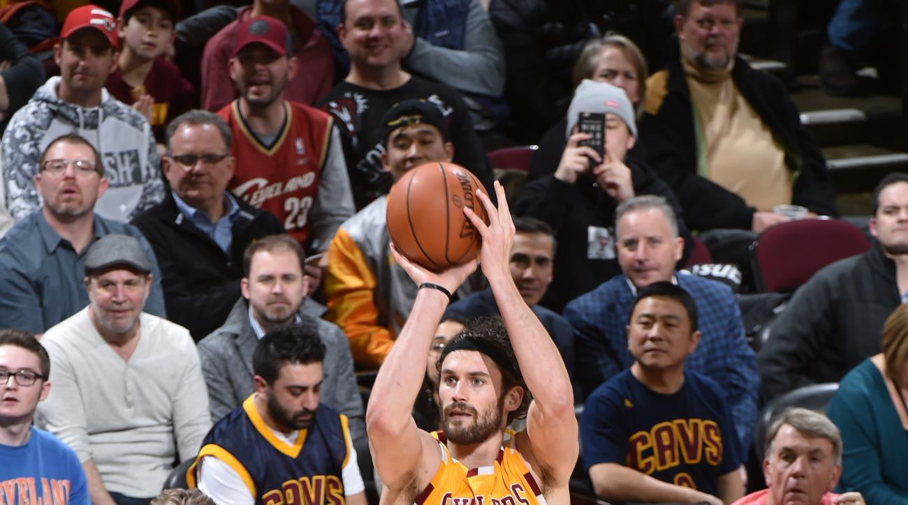 CLEVELAND, OH - FEBRUARY 10: Kevin Love #0 of the Cleveland Cavaliers shoots the ball Los Angeles Lakers on February 10, 2016 at Quicken Loans Arena in Cleveland, Ohio. (Photo by Bill Baptist/NBAE via Getty Images)