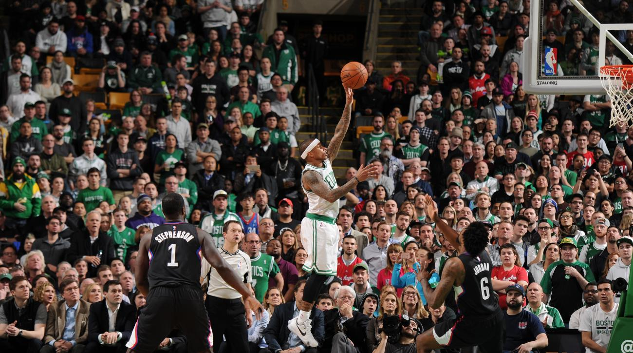BOSTON, MA - FEBRUARY 10:  Isaiah Thomas #4 of the Boston Celtics shoots against the Los Angeles Clippers on February 10, 2016 at the TD Garden in Boston, Massachusetts.  (Photo by Brian Babineau/NBAE via Getty Images)