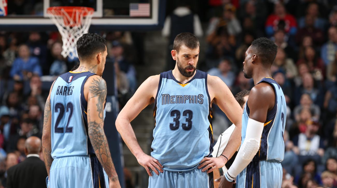 MEMPHIS, TN - JANUARY 18: Matt Barnes #22, Marc Gasol #33 and Jordan Adams #3 of the Memphis Grizzlies  are seen during the game against the New Orleans Pelicans on January 18, 2016 in Memphis, Tennessee. (Photo by Joe Murphy/NBAE via Getty Images)