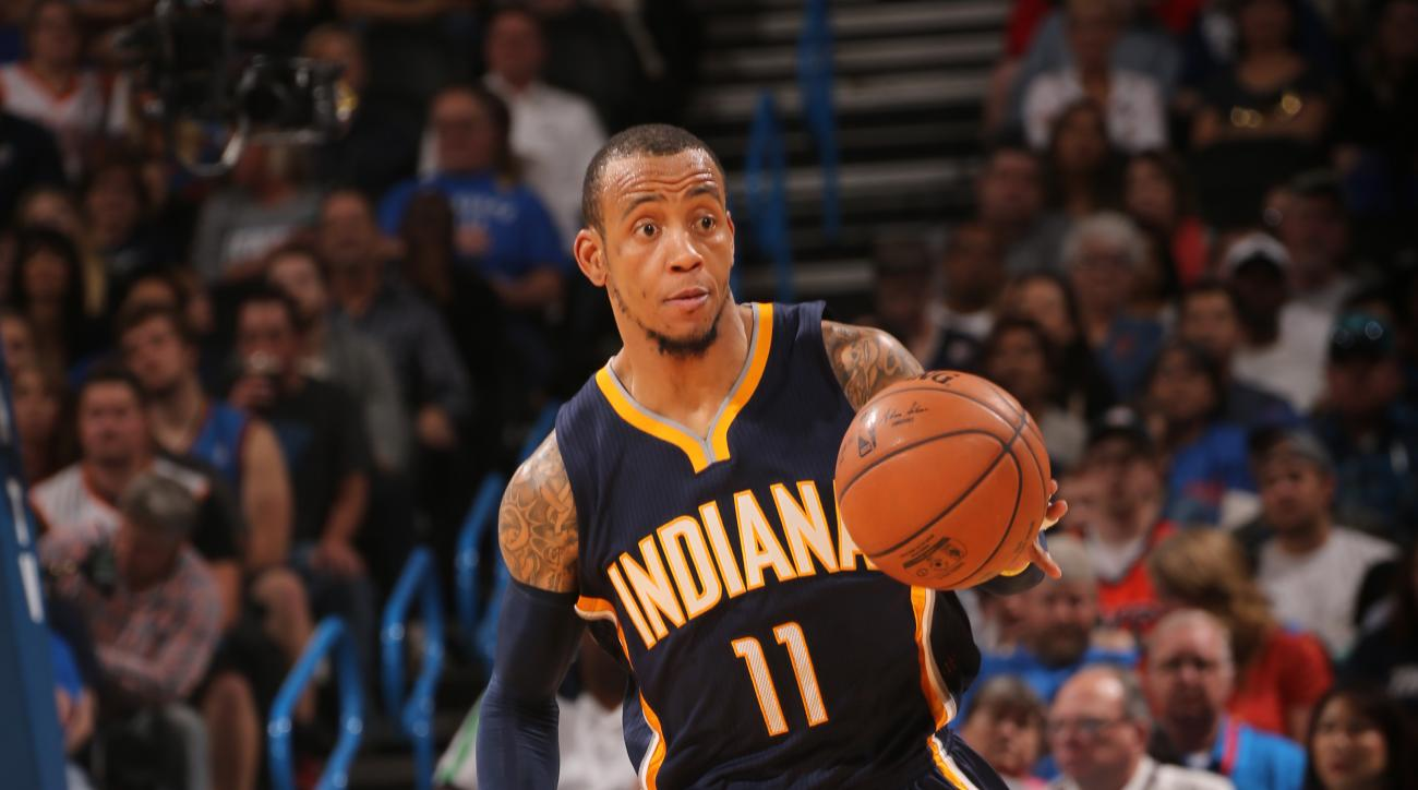 OKLAHOMA CITY, OK - FEBRUARY 19:  Monta Ellis #11 of the Indiana Pacers brings the ball up court against the Oklahoma City Thunder on February 19, 2016 at Chesapeake Energy Arena in Oklahoma City, Oklahoma. (Photo by Layne Murdoch/NBAE via Getty Images)