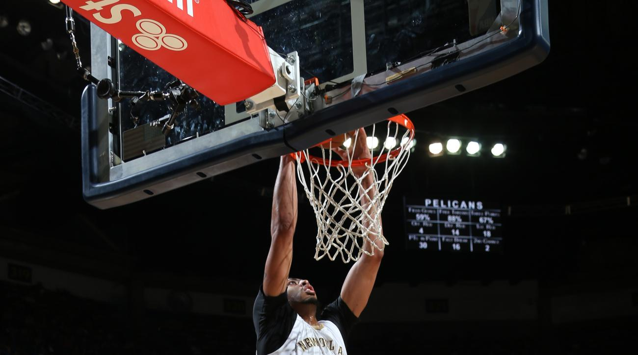 NEW ORLEANS, LA - FEBRUARY 19:  Anthony Davis #23 of the New Orleans Pelicans dunks against the Philadelphia 76ers on February 19, 2016 at the Smoothie King Center in New Orleans, Louisiana. (Photo by Layne Murdoch Jr./NBAE via Getty Images)