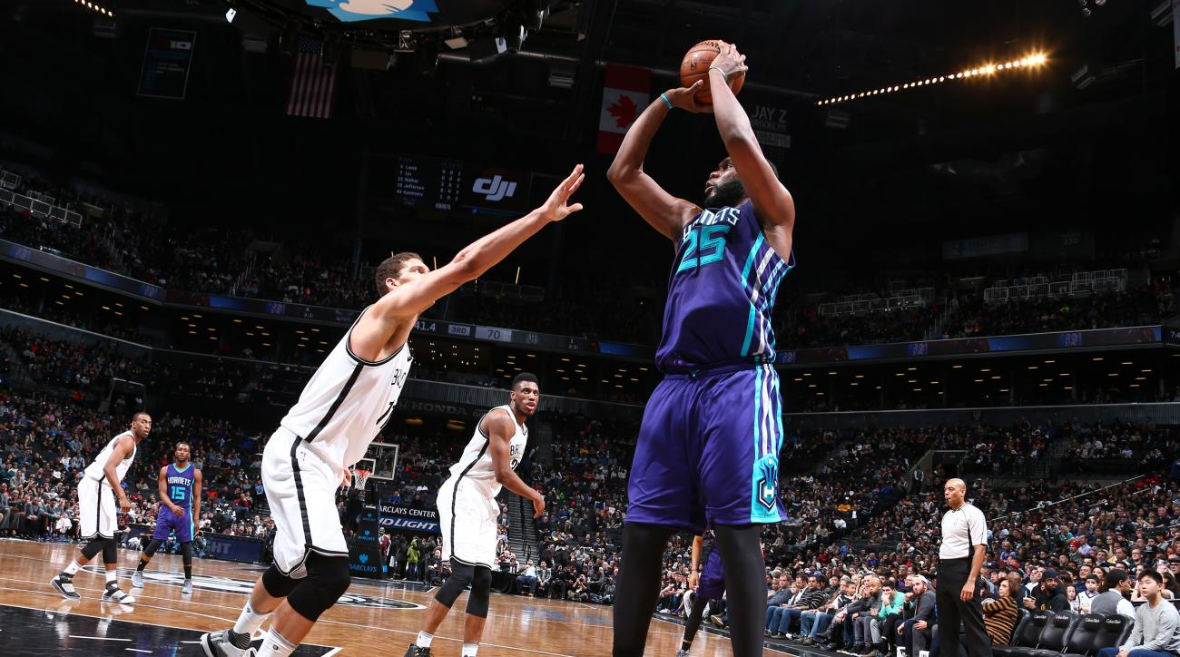 BROOKLYN, NY - FEBRUARY 21:  Al Jefferson #25 of the Charlotte Hornets shoots the ball against the Brooklyn Nets on February 21, 2016 at Barclays Center in Brooklyn, New York. (Photo by Nathaniel S. Butler/NBAE via Getty Images)