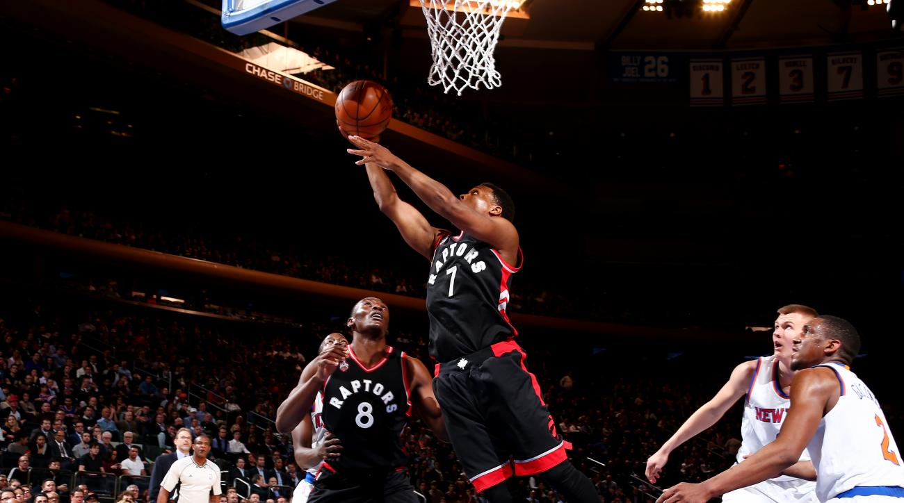 NEW YORK, NY - FEBRUARY 22:  Kyle Lowry #7 of the Toronto Raptors goes to the basket against the New York Knicks on February 22, 2016 at Madison Square Garden in New York City.  (Photo by Nathaniel S. Butler/NBAE via Getty Images)
