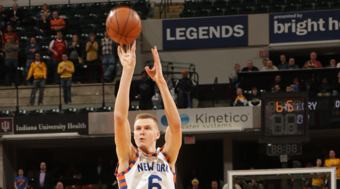INDIANAPOLIS, IN - FEBRUARY 24: Kristaps Porzingis #6 of the New York Knicks shoots against the Indiana Pacers during the game on February 24, 2016 at Bankers Life Fieldhouse in Indianapolis, Indiana. (Photo by Rob Hoskins/NBAE via Getty Images)