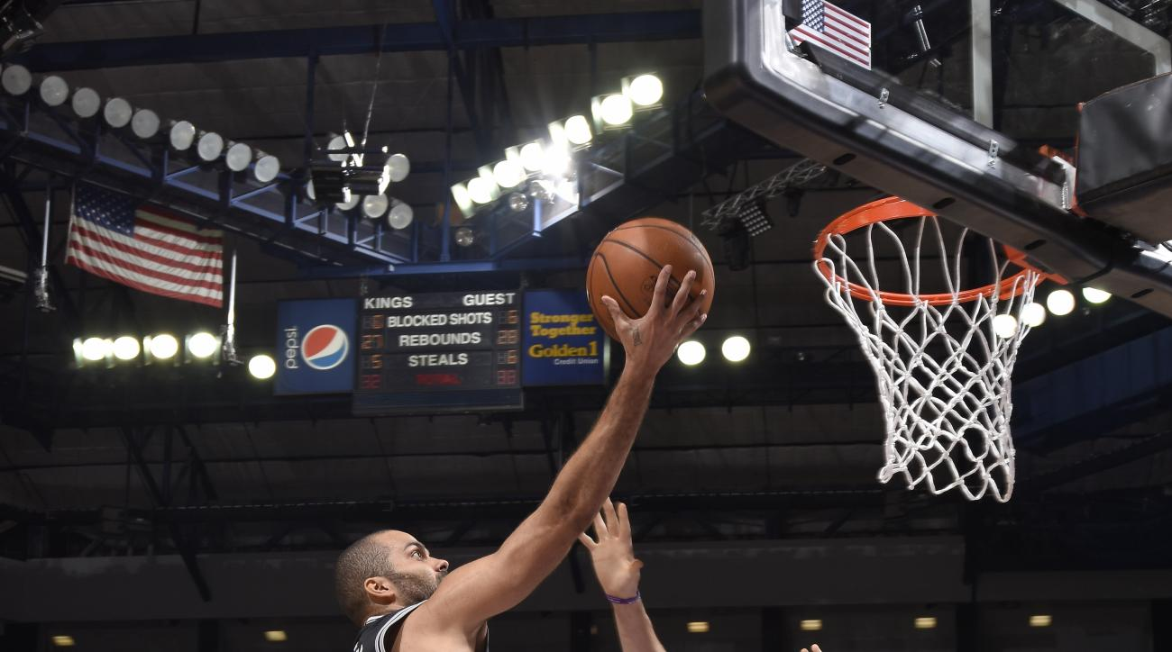 SACRAMENTO, CA - FEBRUARY 24:  Tony Parker #9 of the San Antonio Spurs shoots the ball against the Sacramento Kings at Sleep Train Arena on February 24, 2016 in Sacramento, California. (Photo by Rocky Widner/NBAE via Getty Images)