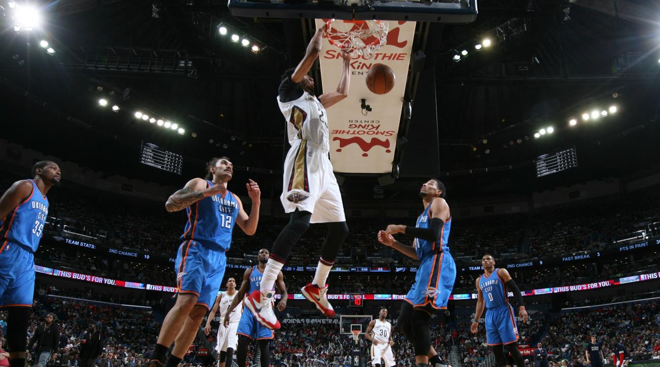 NEW ORLEANS, LA - FEBRUARY 25: Anthony Davis #23 of the New Orleans Pelicans goes for the dunk against the Oklahoma City Thunder during the game on February 25, 2016 at Smoothie King Center in New Orleans, Louisiana. (Photo by Layne Murdoch/NBAE via Getty