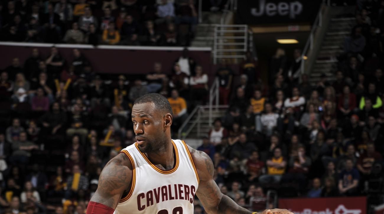 CLEVELAND, OH - FEBRUARY 29:  LeBron James #23 of the Cleveland Cavaliers handles the ball against the Indiana Pacers on February 29, 2016 at Quicken Loans Arena in Cleveland, Ohio. (Photo by David Liam Kyle/NBAE via Getty Images)