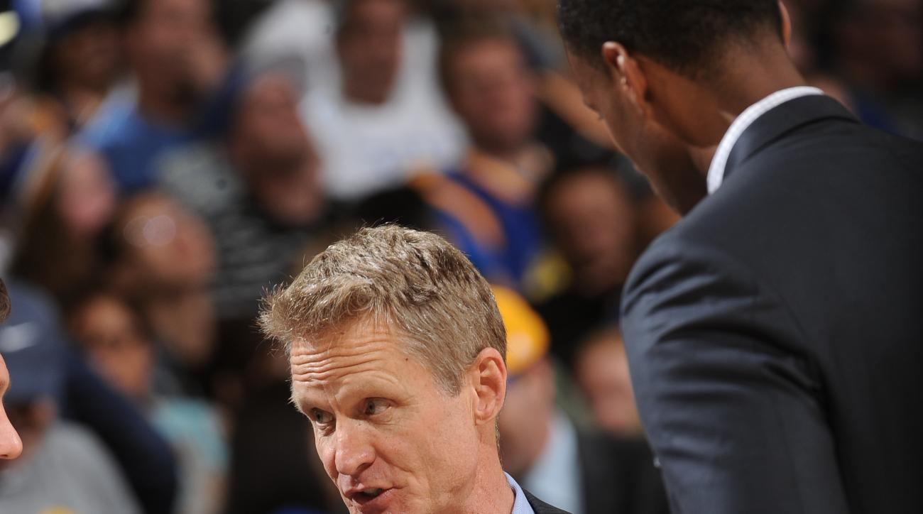 OAKLAND, CA - MARCH 7: Head coach, Steve Kerr of the Golden State Warriors during the game against the Orlando Magic on March 7, 2016 at ORACLE Arena in Oakland, California. (Photo by Noah Graham/NBAE via Getty Images)