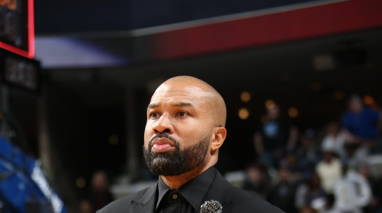 MEMPHIS, TN - JANUARY 16:  Head Coach Derek Fisher of the New York Knicks looks on before the game against the Memphis Grizzlies on January 16, 2016 at FedExForum in Memphis, Tennessee. (Photo by Joe Murphy/NBAE via Getty Images)