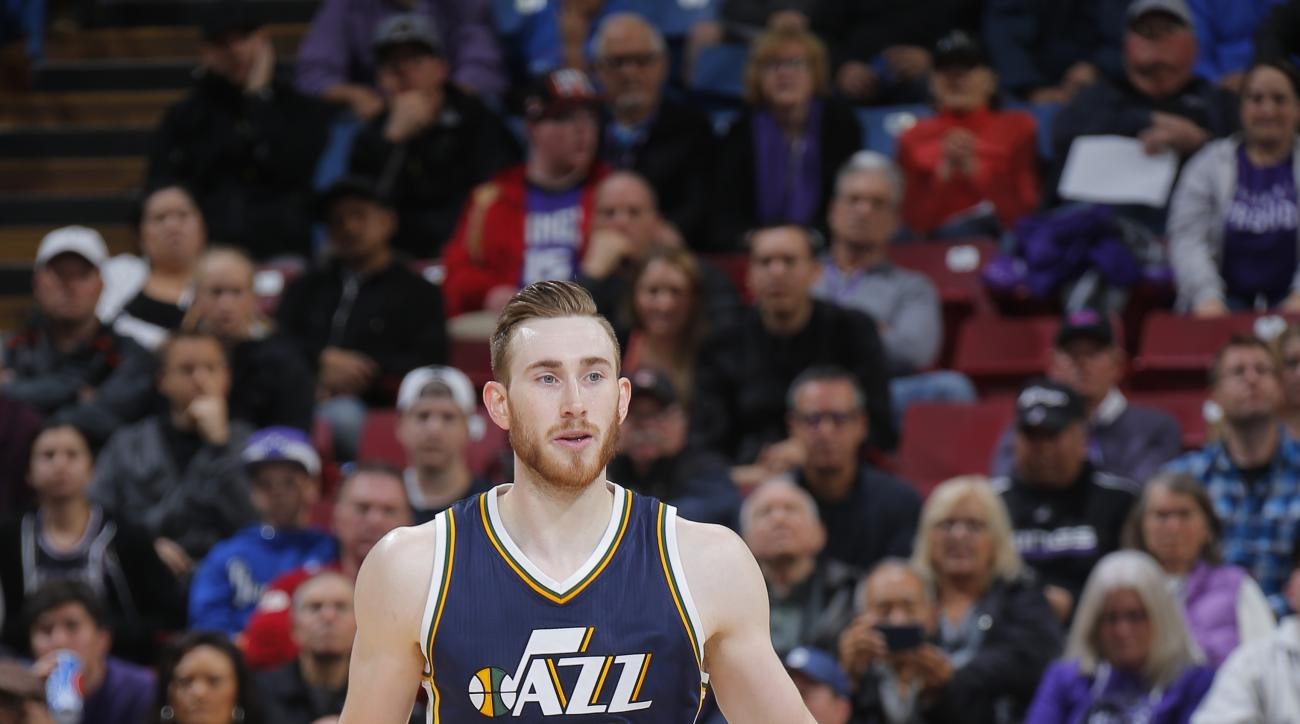 SACRAMENTO, CA - MARCH 13:  Gordon Hayward #20 of the Utah Jazz brings the ball up court against the Sacramento Kings on March 13, 2016 at Sleep Train Arena in Sacramento, California. (Photo by Rocky Widner/NBAE via Getty Images)