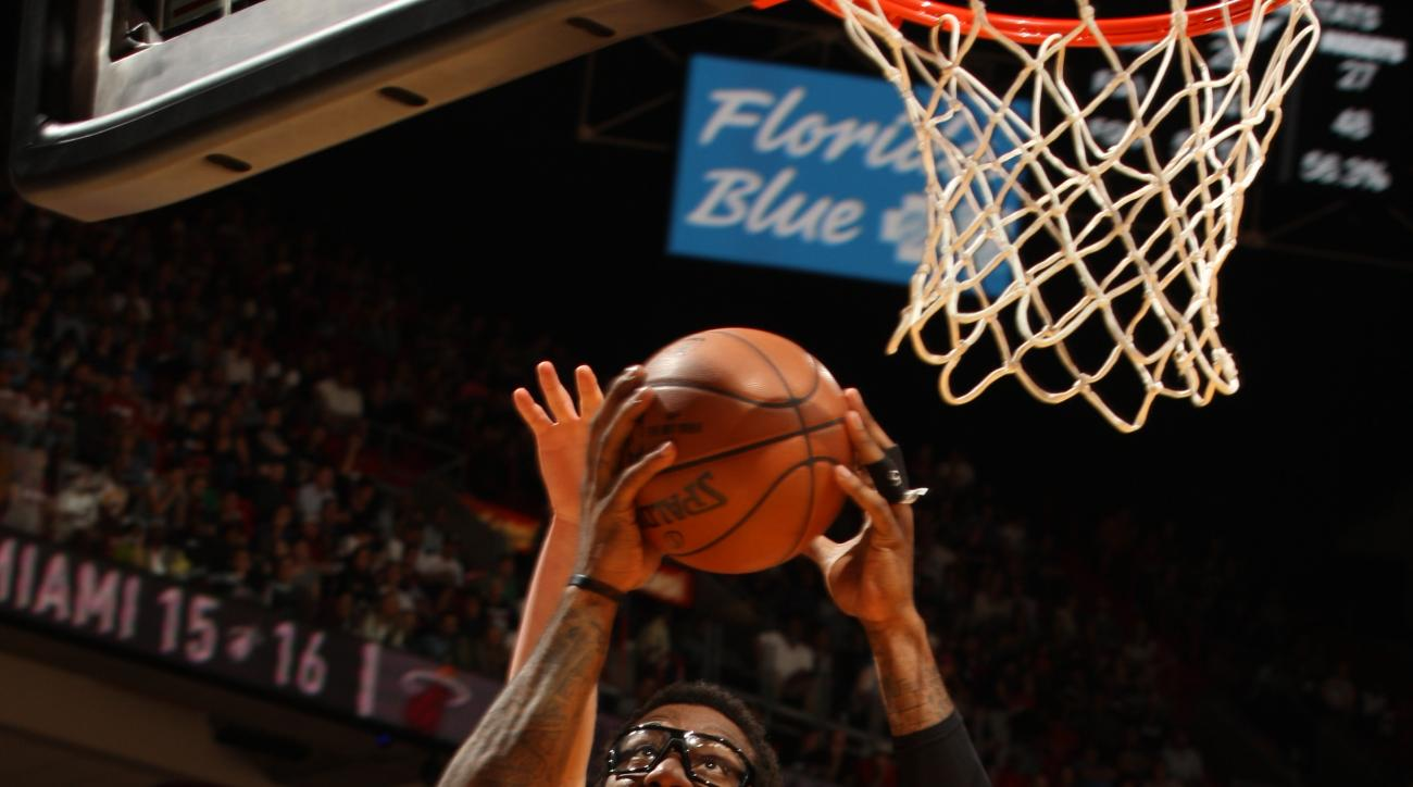 MIAMI, FL - MARCH 14:  Amar'e Stoudemire #5 of the Miami Heat shoots the ball against the Denver Nuggets on March 14, 2016 at American Airlines Arena in Miami, Florida. (Photo by Oscar Baldizon/NBAE via Getty Images)