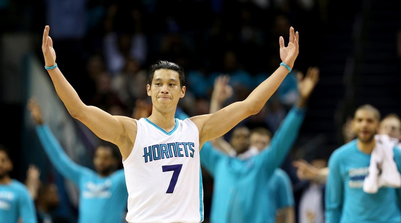 CHARLOTTE, NC - MARCH 21:  Jeremy Lin #7 of the Charlotte Hornets reacts after making a basket against the San Antonio Spurs during their game at Time Warner Cable Arena on March 21, 2016 in Charlotte, North Carolina.(Photo by Streeter Lecka/Getty Images)