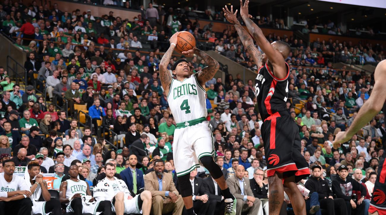 BOSTON, MA - MARCH 23:  Isaiah Thomas #4 of the Boston Celtics shoots against the Toronto Raptors on March 23, 2016 at the TD Garden in Boston, Massachusetts.  (Photo by Brian Babineau/NBAE via Getty Images)