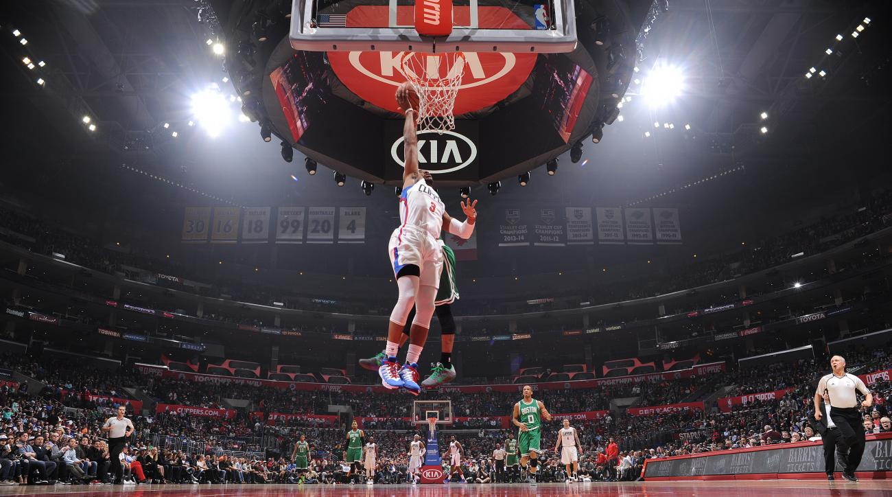 LOS ANGELES, CA - MARCH 28:  Chris Paul #3 of the Los Angeles Clippers shoots the ball against the Boston Celtics on March 28, 2016 at STAPLES Center in Los Angeles, California. (Photo by Juan Ocampo/NBAE via Getty Images)