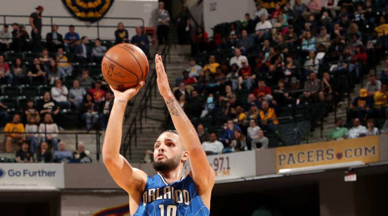 INDIANAPOLIS, IN - MARCH 31: Evan Fournier #10 of the Orlando Magic shoots the ball during the game against the Indiana Pacers on March 31, 2016 at Bankers Life Fieldhouse in Indianapolis, Indiana. (Photo by Ron Hoskins/NBAE via Getty Images)