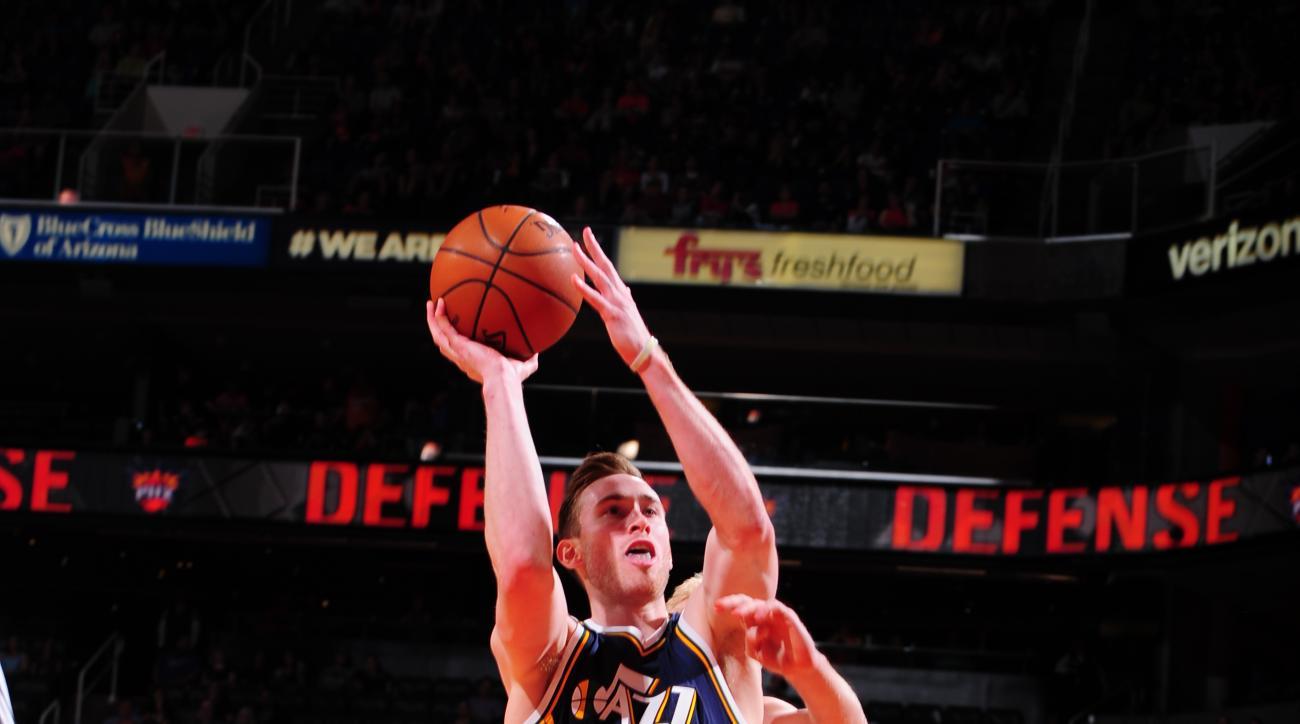 PHOENIX, AZ - APRIL 3: Gordon Hayward #20 of the Utah Jazz shoots the ball against the Phoenix Suns on April 3, 2016  at U.S. Airways Center in Phoenix, Arizona. (Photo by Barry Gossage/NBAE via Getty Images)