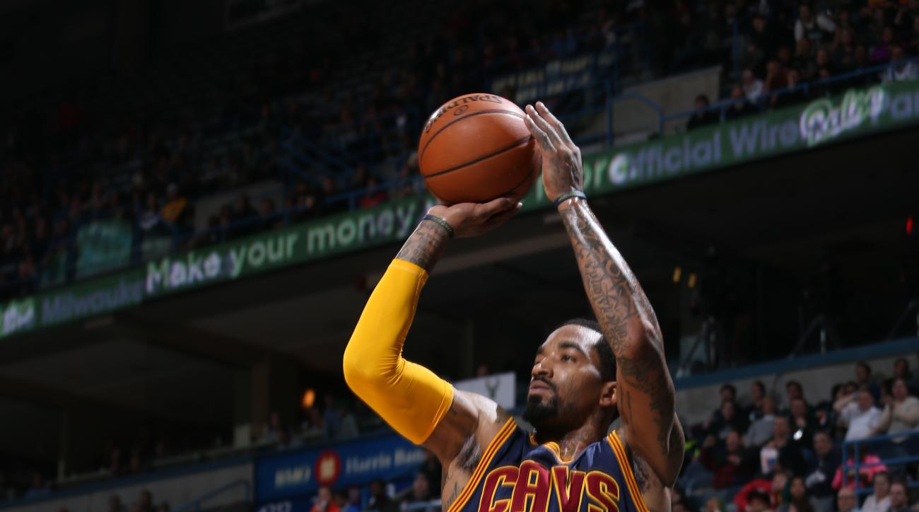 MILWAUKEE, WI - APRIL 5:  J.R. Smith #5 of the Cleveland Cavaliers shoots against the Milwaukee Bucks on April 5, 2016 at the BMO Harris Bradley Center in Milwaukee, Wisconsin. (Photo by Gary Dineen/NBAE via Getty Images)