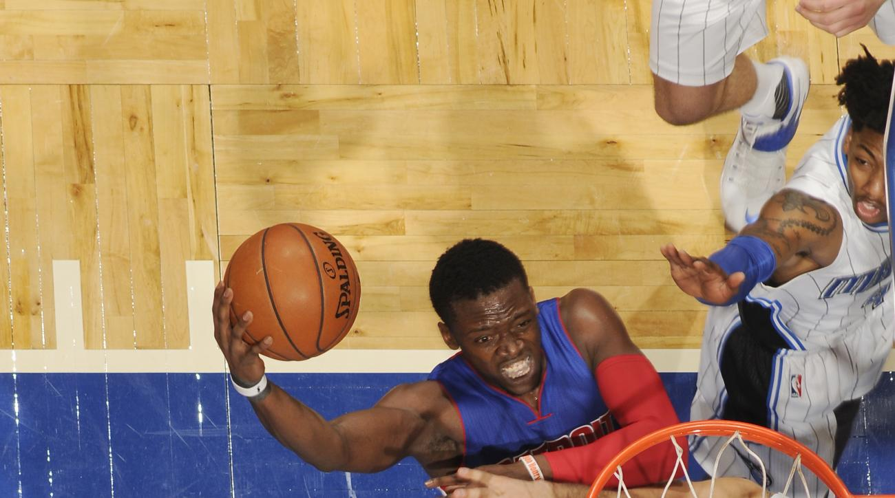 ORLANDO, FL - APRIL 6:  Reggie Jackson #1 of the Detroit Pistons shoots the ball against the Orlando Magic on April 6, 2016 at Amway Center in Orlando, Florida. (Photo by Fernando Medina/NBAE via Getty Images)