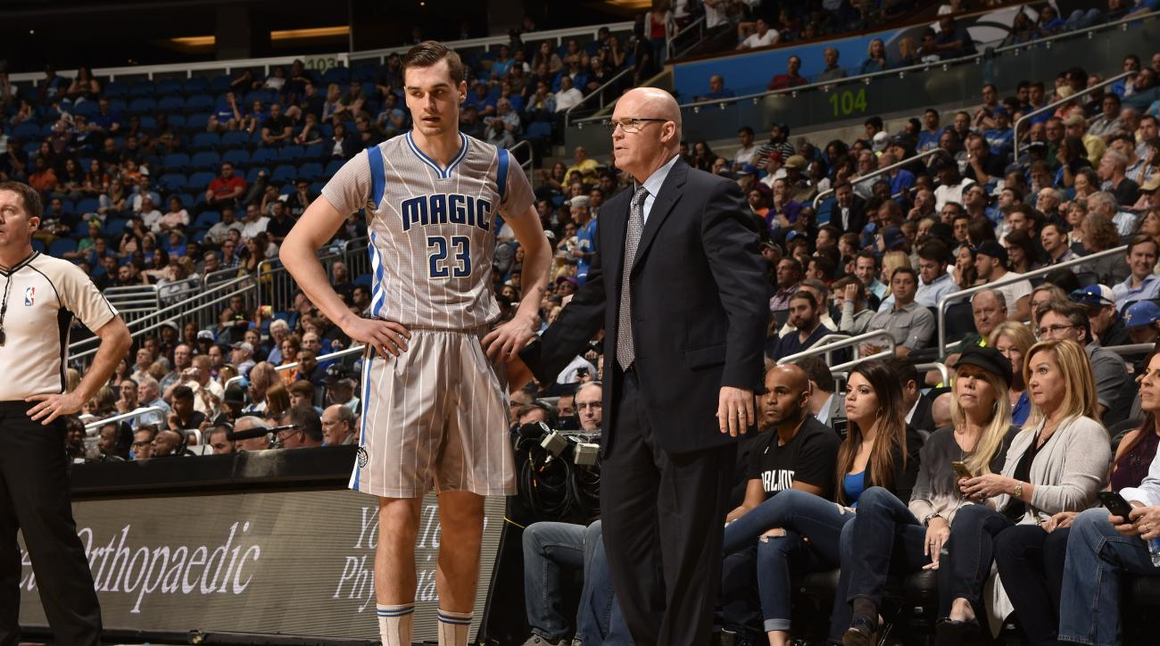 ORLANDO, FL - MARCH 4:  Head Coach Scott Skiles of the Orlando Magic talks with Mario Hezonja #23 of the Orlando Magic during the game against the Phoenix Suns on March 4, 2016 at Amway Center in Orlando, Florida. (Photo by Fernando Medina/NBAE via Getty