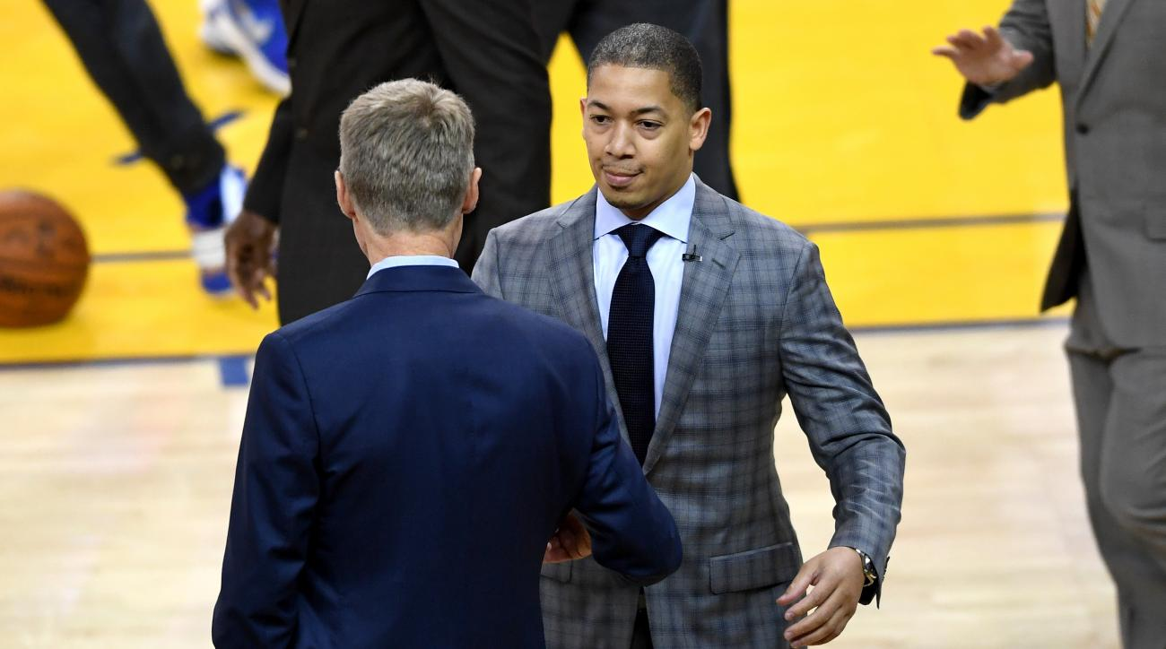 OAKLAND, CA - JUNE 19:  Tyronn Lue of the Cleveland Cavaliers and Steve Kerr of the Golden State Warriors shake hands prior to Game 7 of the 2016 NBA Finals at ORACLE Arena on June 19, 2016 in Oakland, California. (Photo by Thearon W. Henderson/Getty Imag