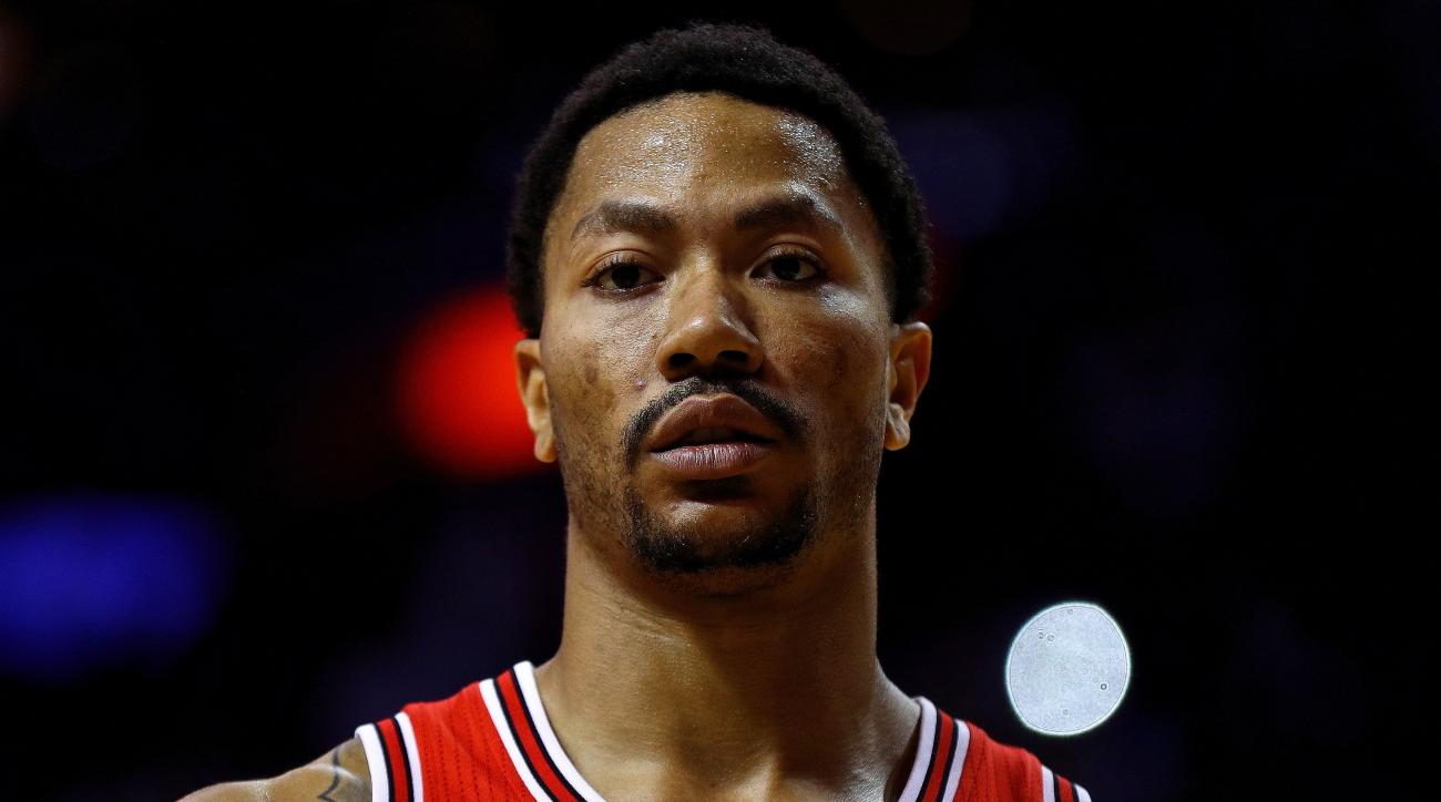 FILE - JUNE 22, 2016: It has been reported that the Chicago Bulls have agreed on a multi-player deal to send point guard Derrick Rose to the New York Knicks June 22, 2016. The Bulls will get Robin Lopez, Jose Calderon and Jerian Grant in exchange for Rose