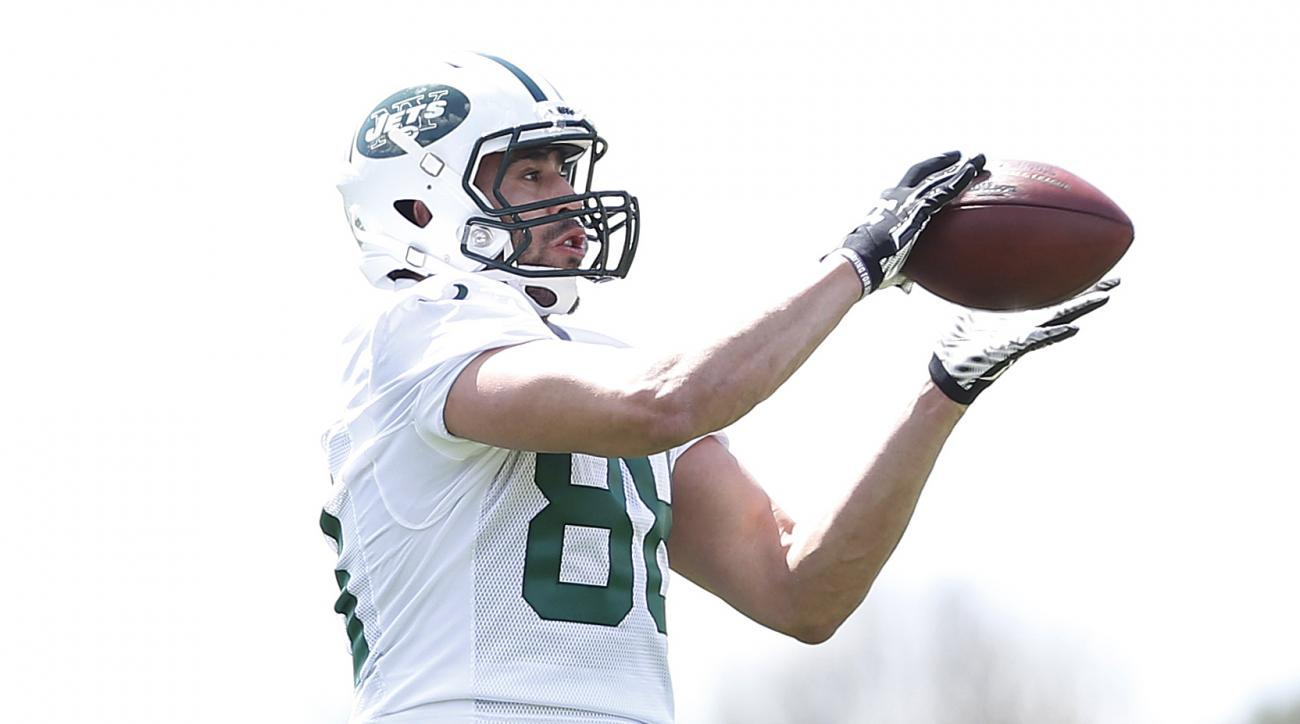 New York Jets tight end Jace Amaro makes a catch during voluntary minicamp ahead of the NFL football season, Tuesday, April 28, 2015, in Florham Park, N.J. (AP Photo/Julio Cortez)