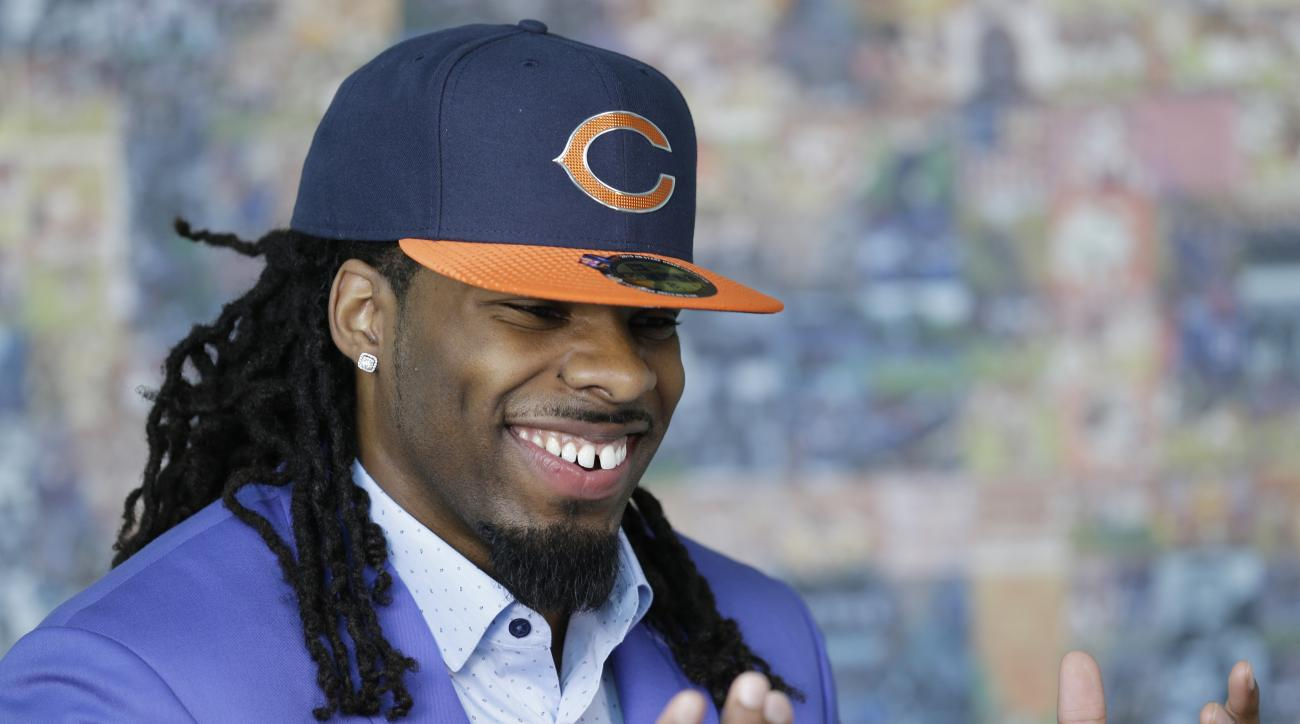Chicago Bears' Kevin White smiles as he talks during an interview with a local TV station at Halas Hall in Lake Forest, Ill., Friday, May 1, 2015. The Bears drafted West Virginia wide receiver White No. 7 overall Thursday night. (AP Photo/Nam Y. Huh)