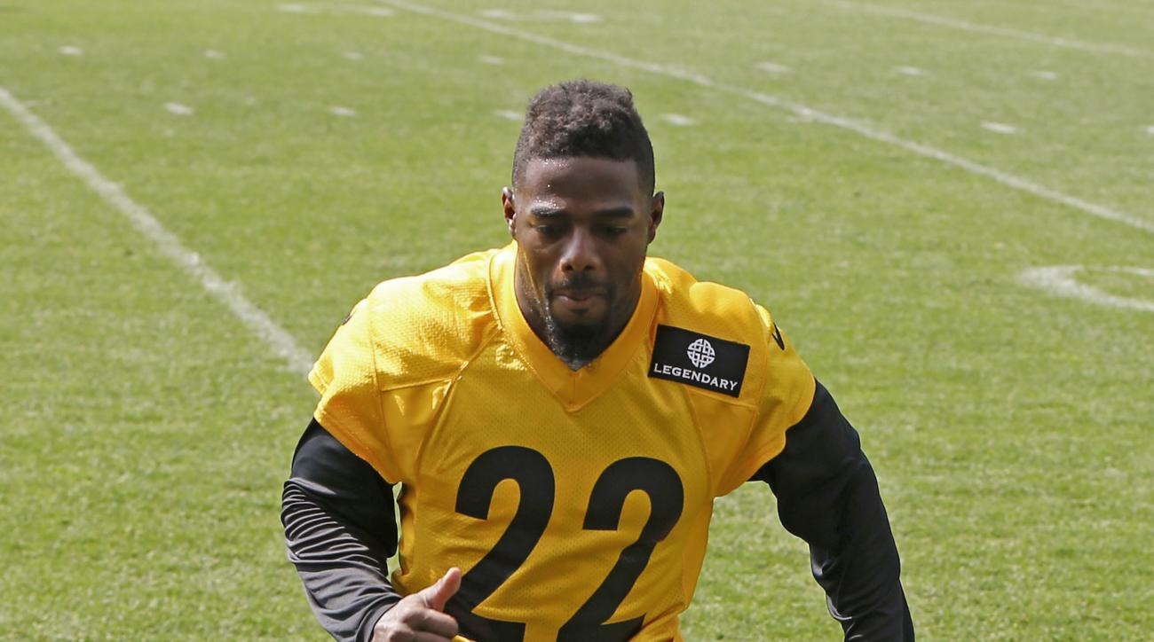 FILE - In this May 28, 2015, file photo, Pittsburgh Steelers cornerback William Gay  goes through drills during NFL football organized team activity in Pittsburgh. Following the retirement of Ike Taylor and Troy Polamalu, Gay finds himself as the veteran