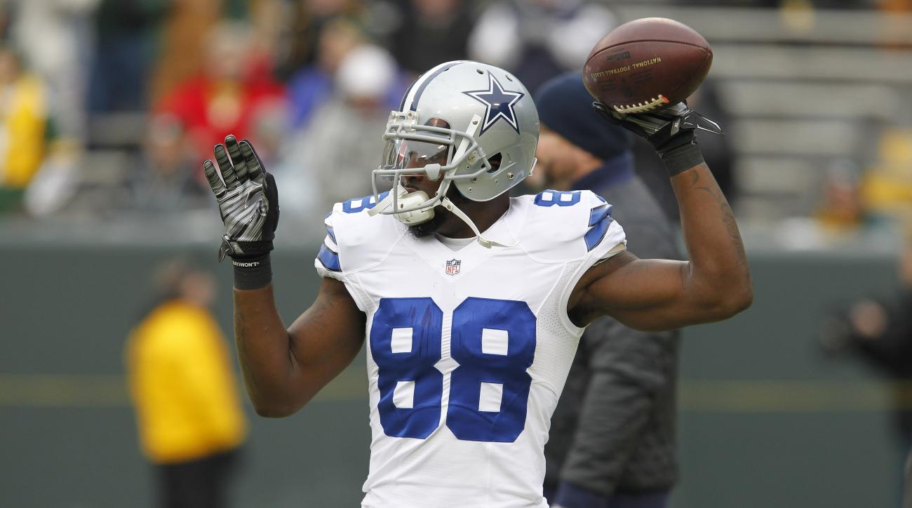 Dallas Cowboys wide receiver Dez Bryant (88) warms up before an NFL divisional playoff football game after the game Sunday, Jan. 11, 2015, in Green Bay, Wis. (AP Photo/Matt Ludtke)