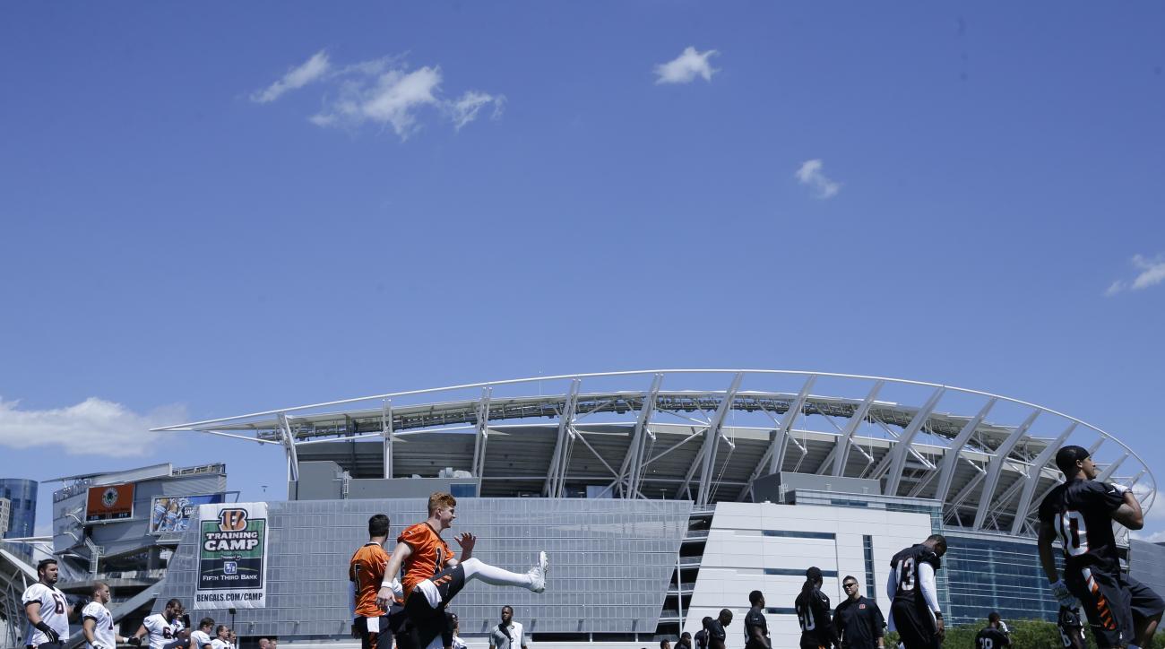 The Cincinnati Bengals participate in NFL football training camp, Saturday, Aug. 1, 2015, in Cincinnati. (AP Photo/John Minchillo)