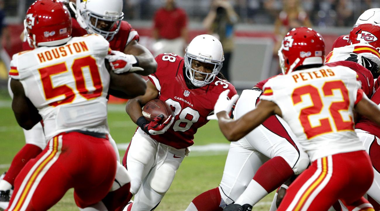 Arizona Cardinals running back Andre Ellington (38) runs the football against the Kansas City Chiefs during the first half of an NFL preseason football game, Saturday, Aug. 15, 2015, in Glendale, Ariz. (AP Photo/Ross D. Franklin)