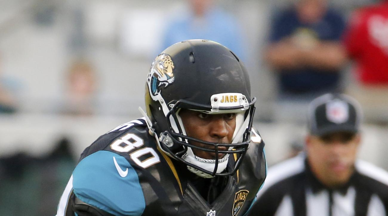 Jacksonville Jaguars tight end Julius Thomas makes a reception against the Pittsburgh Steelers during the first half of an NFL preseason football game, Friday, Aug. 14, 2015, in Jacksonville, Fla. (AP Photo/Stephen B. Morton)