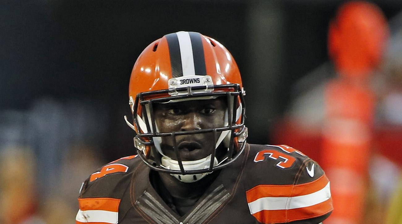 FIULE - In this Aug. 29, 2015, file photo, Cleveland Browns running back Isaiah Crowell (34) runs against the Tampa Bay Buccaneers during the first quarter of an NFL preseason football game in Tampa, Fla. (AP Photo/Scott Audette, File)