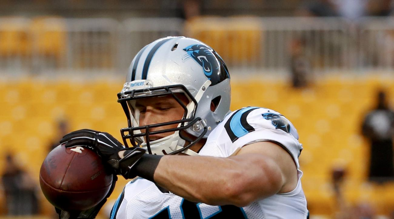 Carolina Panthers middle linebacker Luke Kuechly (59)before an NFL football preseason game between the Pittsburgh Steelers and the Carolina Panthers, Thursday, Sept. 3, 2015 in Pittsburgh. (AP Photo/Gene J. Puskar)