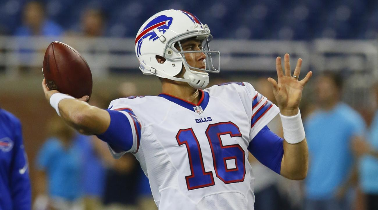 Buffalo Bills quarterback Matt Cassel warms up before an NFL football game between the Detroit Lions and the Buffalo Bills Thursday, Sept. 3, 2015, in Detroit. (AP Photo/Duane Burleson)