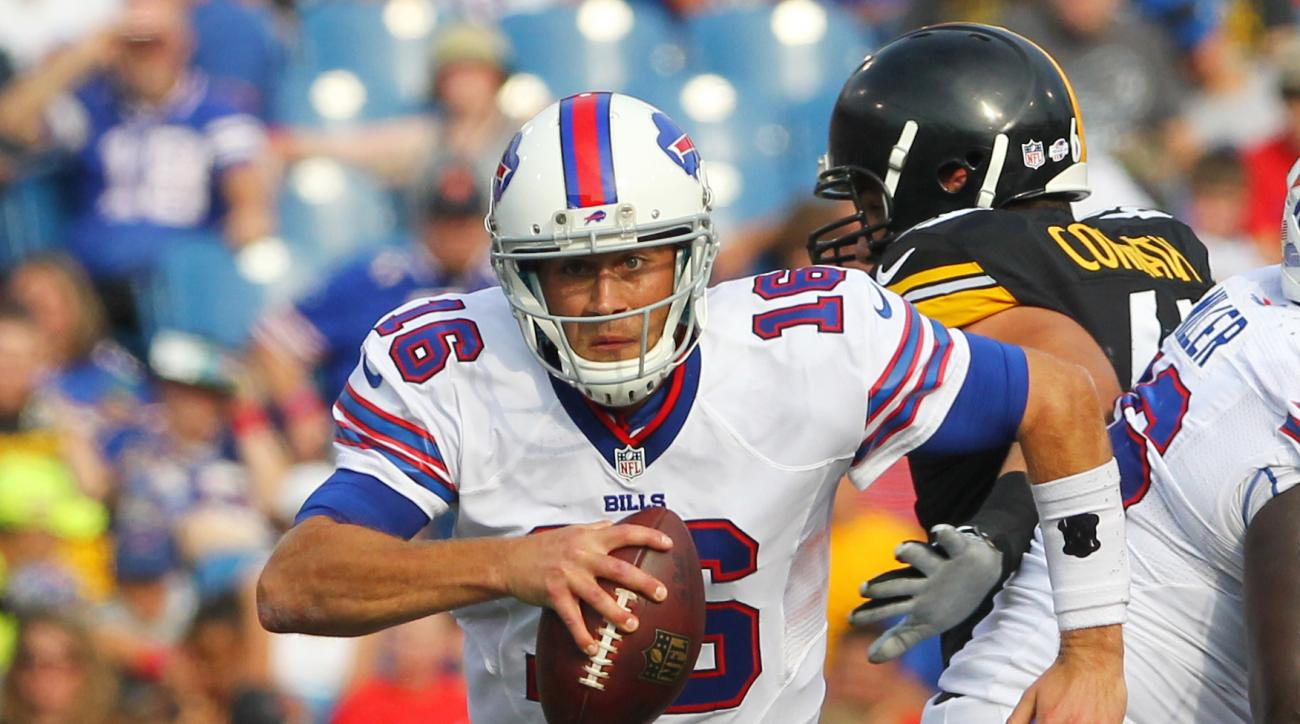 FILE - In this Saturday, Aug. 29, 2015, file photo, Buffalo Bills quarterback Matt Cassel (16) runs against the Pittsburgh Steelers during the first half of a preseason NFL football game in Orchard Park, N.Y. A person with knowledge of the deal says the D