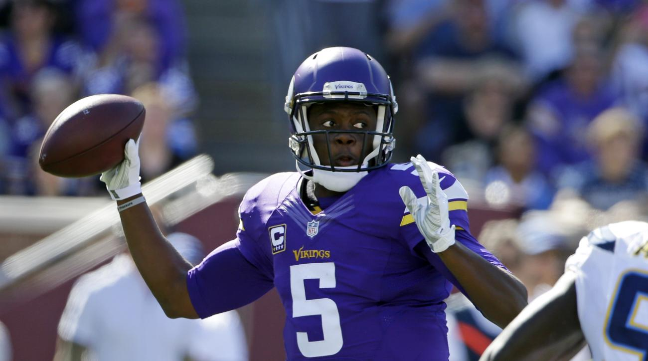 Minnesota Vikings quarterback Teddy Bridgewater (5) throws in the first half of an NFL football game against the San Diego Chargers in Minneapolis, Sunday, Sept. 27, 2015. (AP Photo/Michael Conroy)