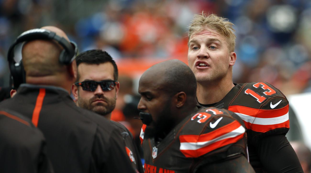 Cleveland Browns quarterback Josh McCown (13) has a word with head coach Mike Pettine, left, on the sideline while playing the San Diego Chargers during the first half of an NFL football game Sunday, Oct. 4, 2015, in San Diego. (AP Photo/Lenny Ignelzi)
