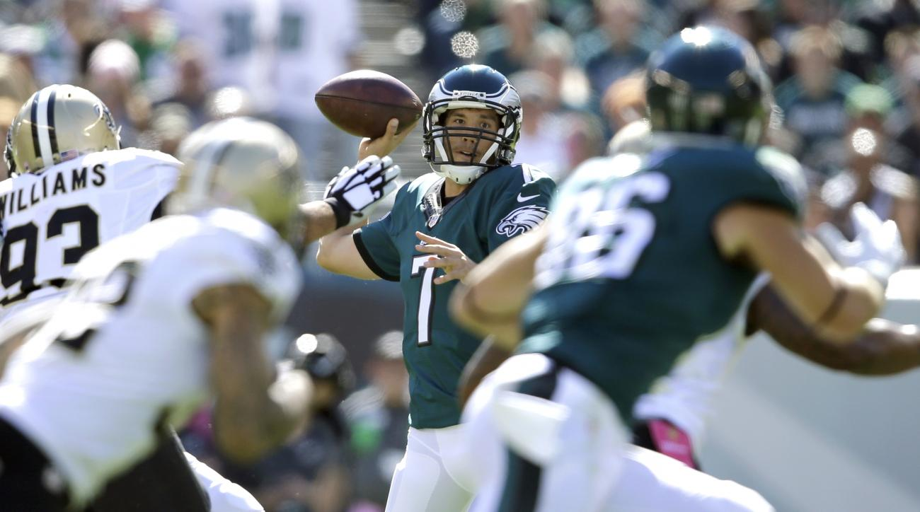 Philadelphia Eagles' Sam Bradford passes during the first half of an NFL football game against the New Orleans Saints, Sunday, Oct. 11, 2015, in Philadelphia. (AP Photo/Matt Rourke)