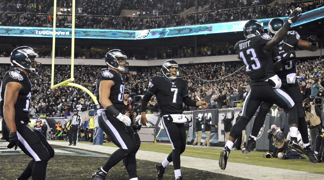 Philadelphia Eagles players celebrate a touchdown run by running back DeMarco Murray, right, during the second half of an NFL football game against the New York Giants, Monday, Oct. 19, 2015, in Philadelphia. (AP Photo/Michael Perez)