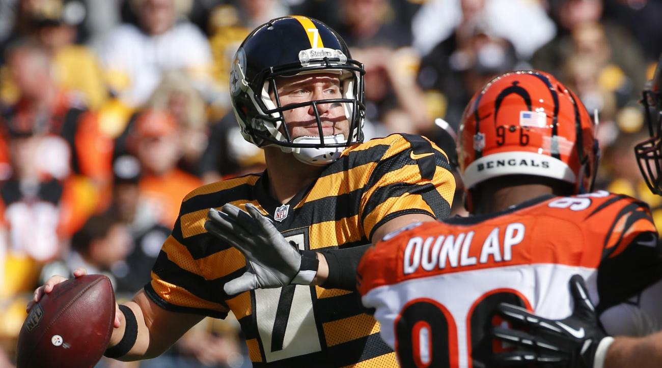 Pittsburgh Steelers quarterback Ben Roethlisberger prepares to pass in the first quarter of an NFL football game against the Cincinnati Bengals, Sunday, Nov. 1, 2015, in Pittsburgh. (AP Photo/Gene J. Puskar)