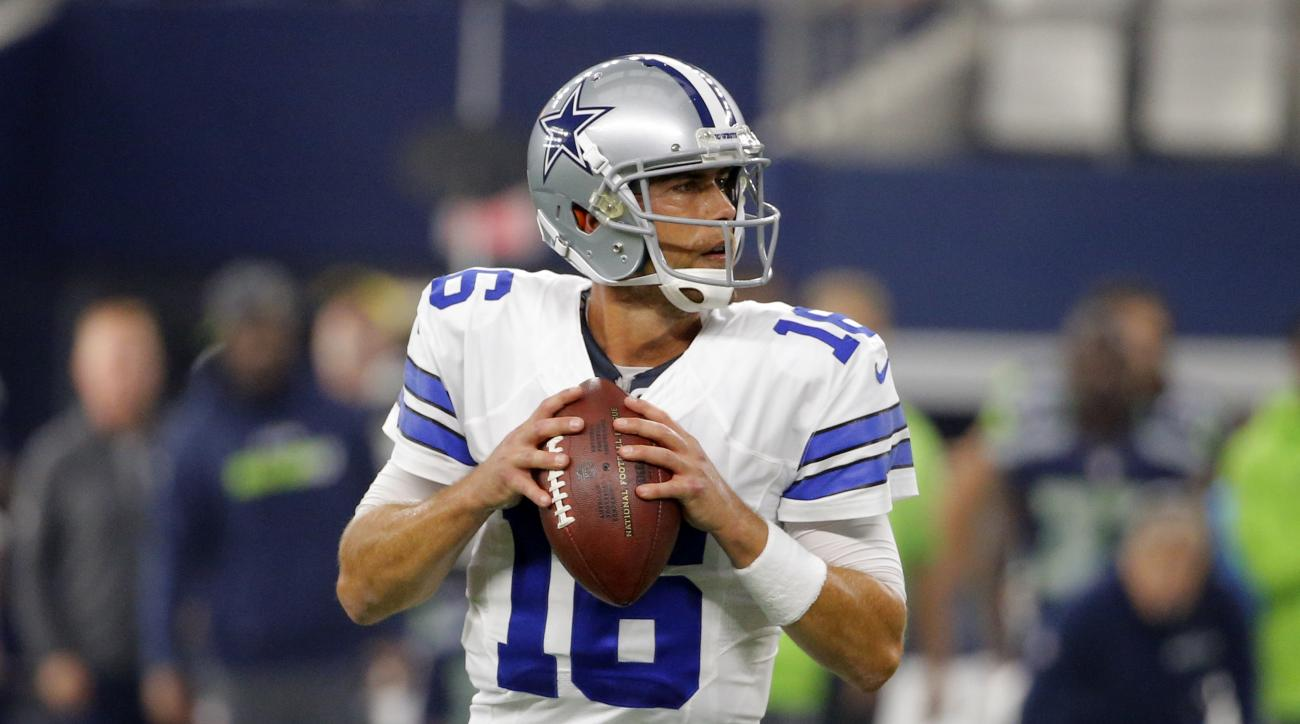 Dallas Cowboys' Matt Cassel (16) prepares to throw a pass in the first half of an NFL football game against the Seattle Seahawks, Sunday, Nov. 1, 2015, in Arlington, Texas. (AP Photo/Brandon Wade)