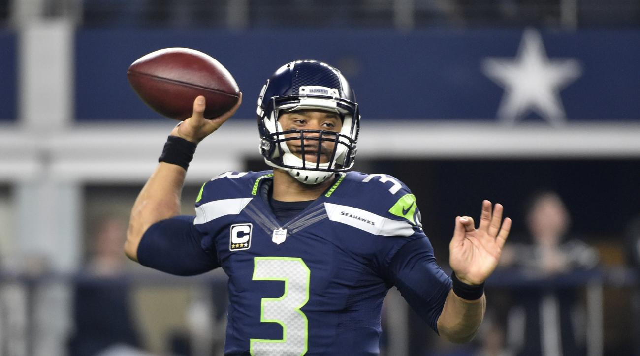 Dallas Cowboys' Brandon Weeden (3) passes late in the second half of an NFL football game against the Dallas Cowboys, Sunday, Nov. 1, 2015, in Arlington, Texas. The Seahawks won 13-12. (AP Photo/Michael Ainsworth)