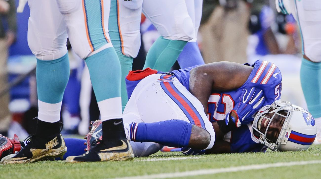 Buffalo Bills running back LeSean McCoy (25) reacts after being injured on a play during the second half of an NFL football game against the Miami Dolphins, Sunday, Nov. 8, 2015, in Orchard Park, N.Y. (AP Photo/Bill Wippert)
