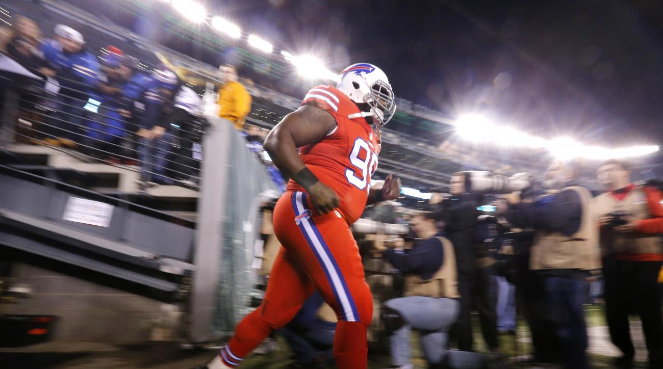 Buffalo Bills defensive tackle Marcell Dareus takes the field prior to the Bills' NFL football game against the New York Jets, Thursday, Nov. 12, 2015, in East Rutherford, N.J. (AP Photo/Julio Cortez)
