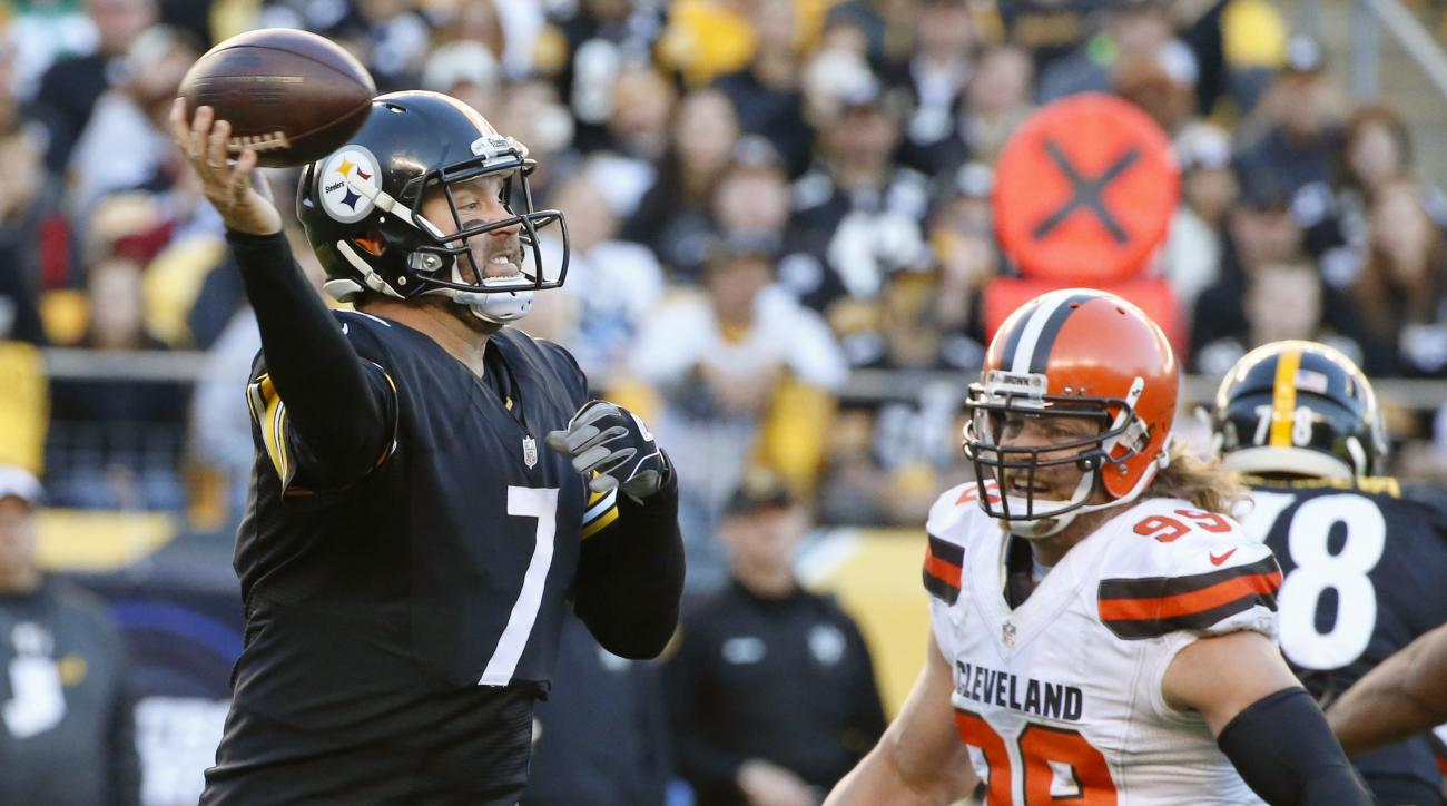 Pittsburgh Steelers quarterback Ben Roethlisberger (7) passes as Cleveland Browns outside linebacker Paul Kruger (99) pressures in the fourth quarter of an NFL football game, Sunday, Nov. 15, 2015, in Pittsburgh. The Steelers won 30-9. (AP Photo/Gene J. P