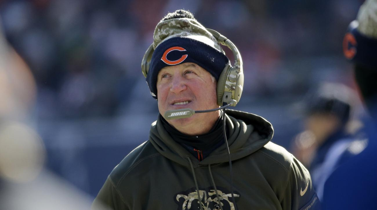 Chicago Bears head coach John Fox watches from the sideline during the first half of an NFL football game against the Denver Broncos, Sunday, Nov. 22, 2015, in Chicago. (AP Photo/Nam Y. Huh)