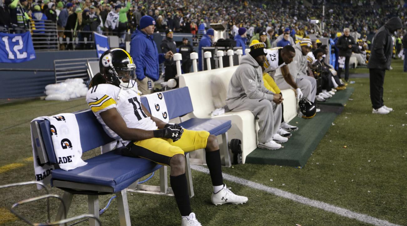 Pittsburgh Steelers' Markus Wheaton (11) sits on the bench late in the second half of an NFL football game against the Seattle Seahawks, Sunday, Nov. 29, 2015, in Seattle. The Seahawks won 39-30. (AP Photo/John Froschauer)